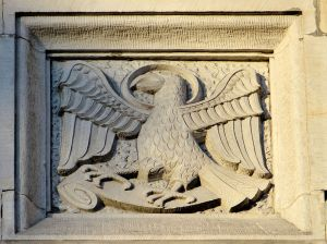 Detalj fra Johanneskatedralen i Warszawa. ( http://en.wikipedia.org/wiki/File:St._John's_Cathedral,_Warsaw_–_Relief_-_22.jpg )